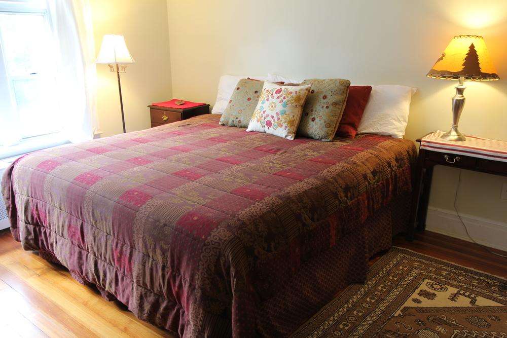 Bedroom 2, 350 sq ft.