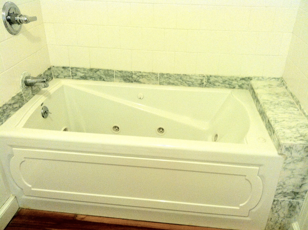 Marble trimmed jacuzzi!