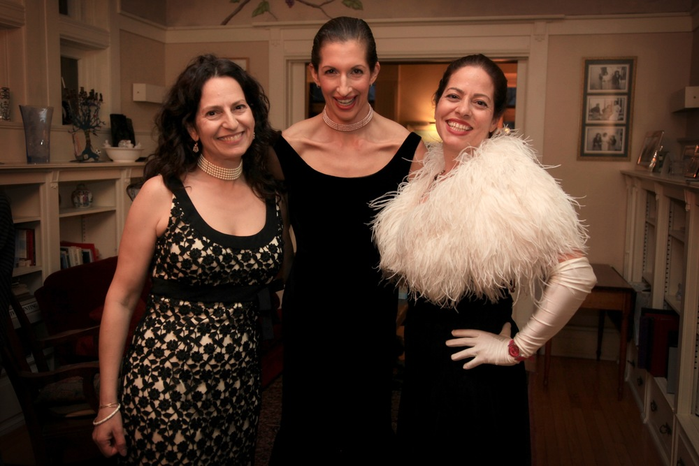 Alysia Reiner and Levis Sisters