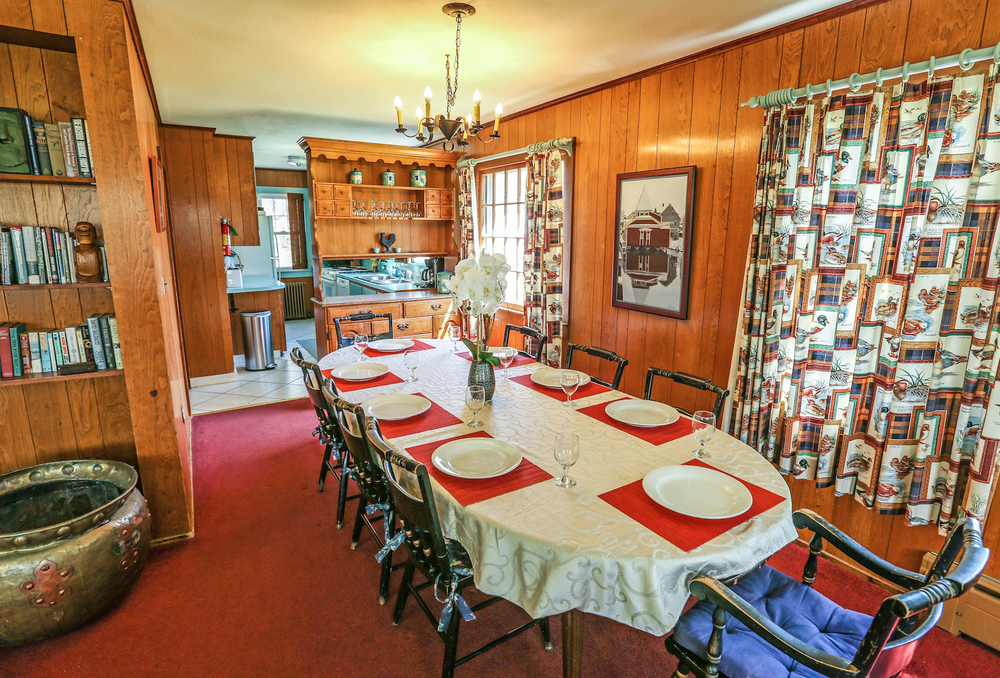 Dining Room Reunion House.jpg