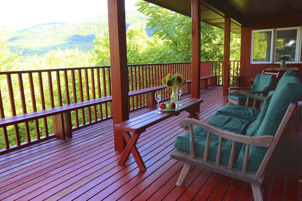 Huge Deck Green Mt House.jpg