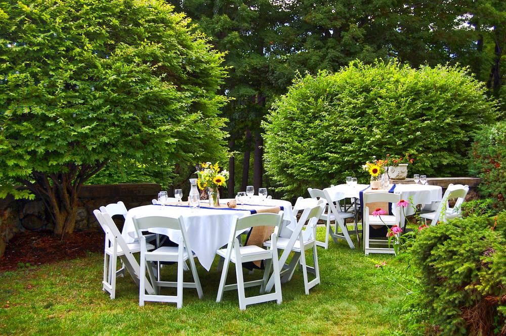 Dining_al_fresco_Wilburton_Inn_I.jpg