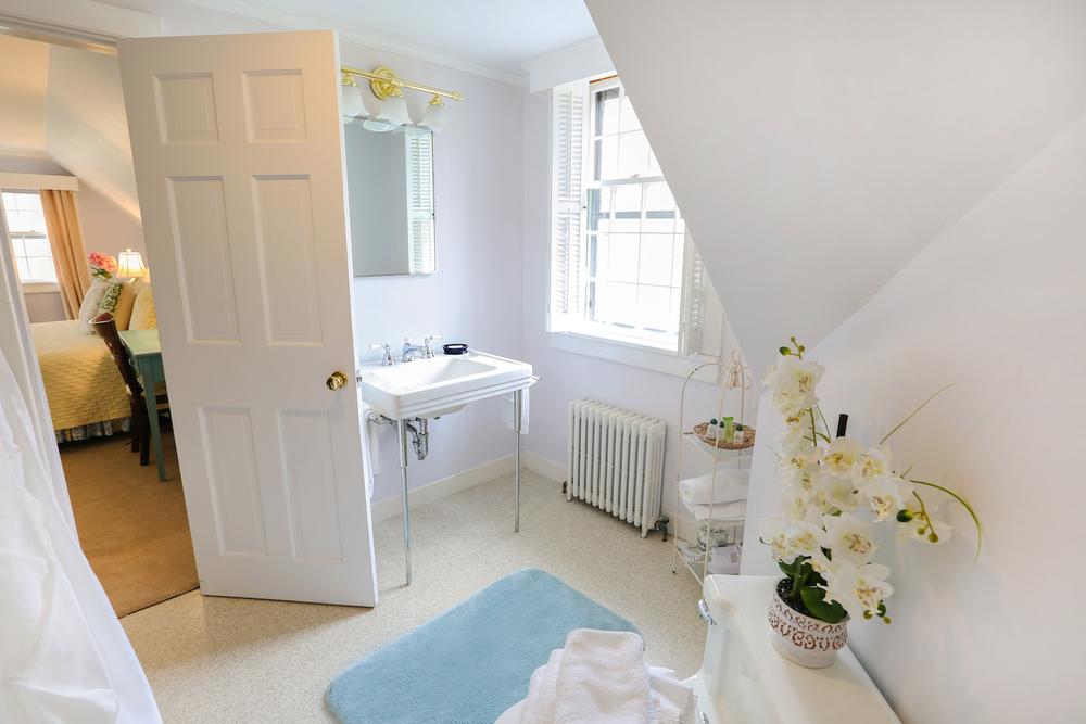 Room 36 bath.jpg