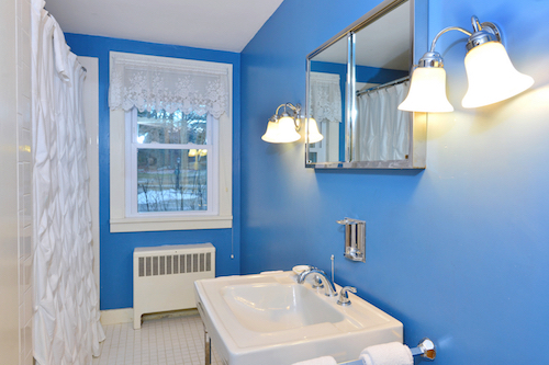 21 Blue bath.jpg