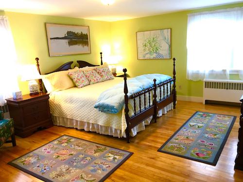 Room 22 King.jpg