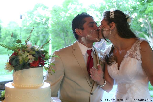 cake_kiss_Wilburton_Inn_VT.jpg