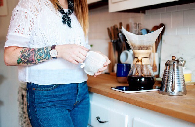 "It's #NationalCoffeeDay and @caitsnyd is looking 👌next to her pour over ☕️. Read ""10 Ways to Get That Back-to-School Feeling (for Grown-Ups)"" on  #Houzz, featuring my photo of this lovely lady. 🌱 (Link in bio.)"
