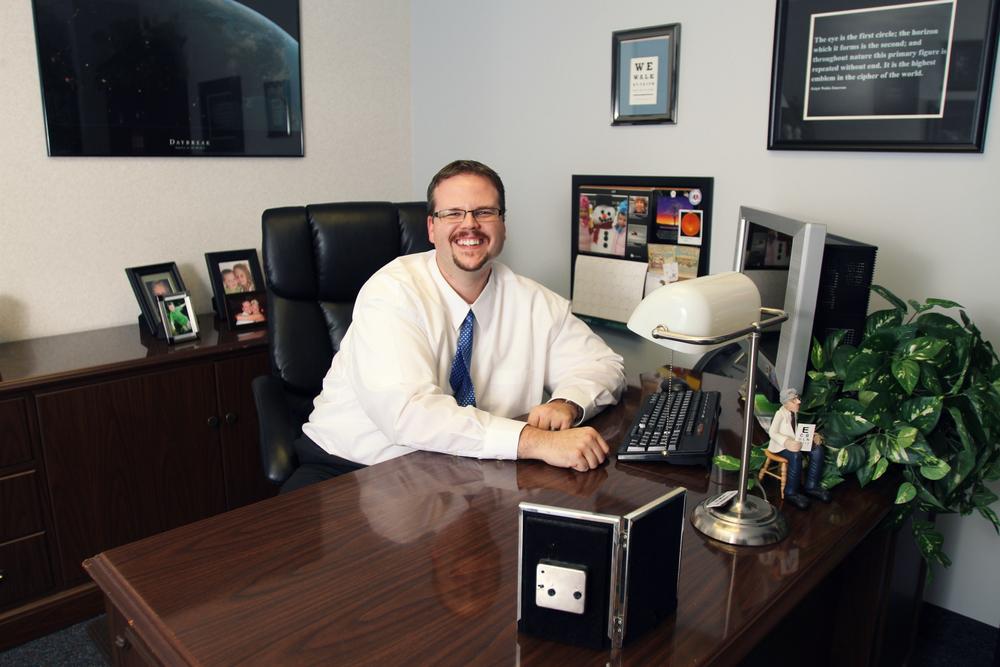 Dr  Tyson Herrmann — Center for Sight