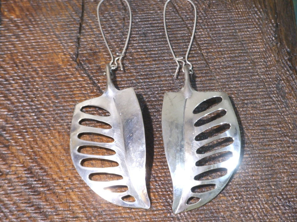 Sterling perforated leaf earrings front.jpg