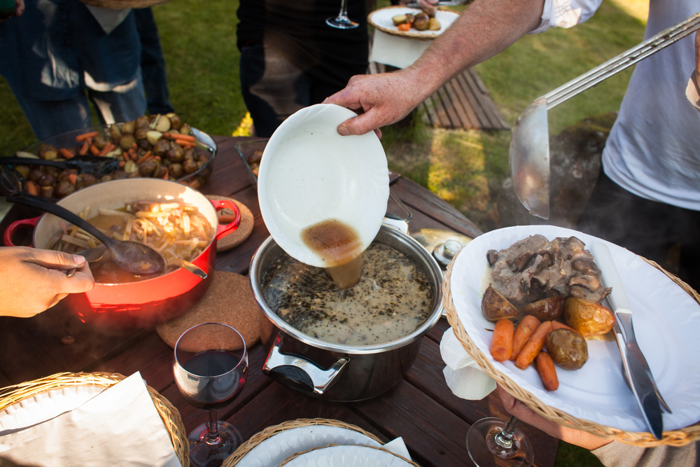 IcelandicBBQ-Table.jpg