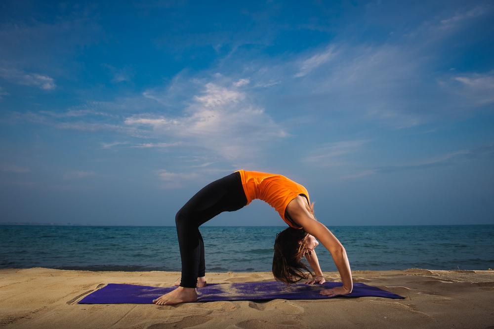 Lynsey_Yoga-003.jpg