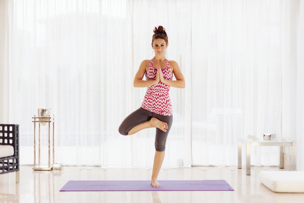 Lynsey_Yoga-011.jpg