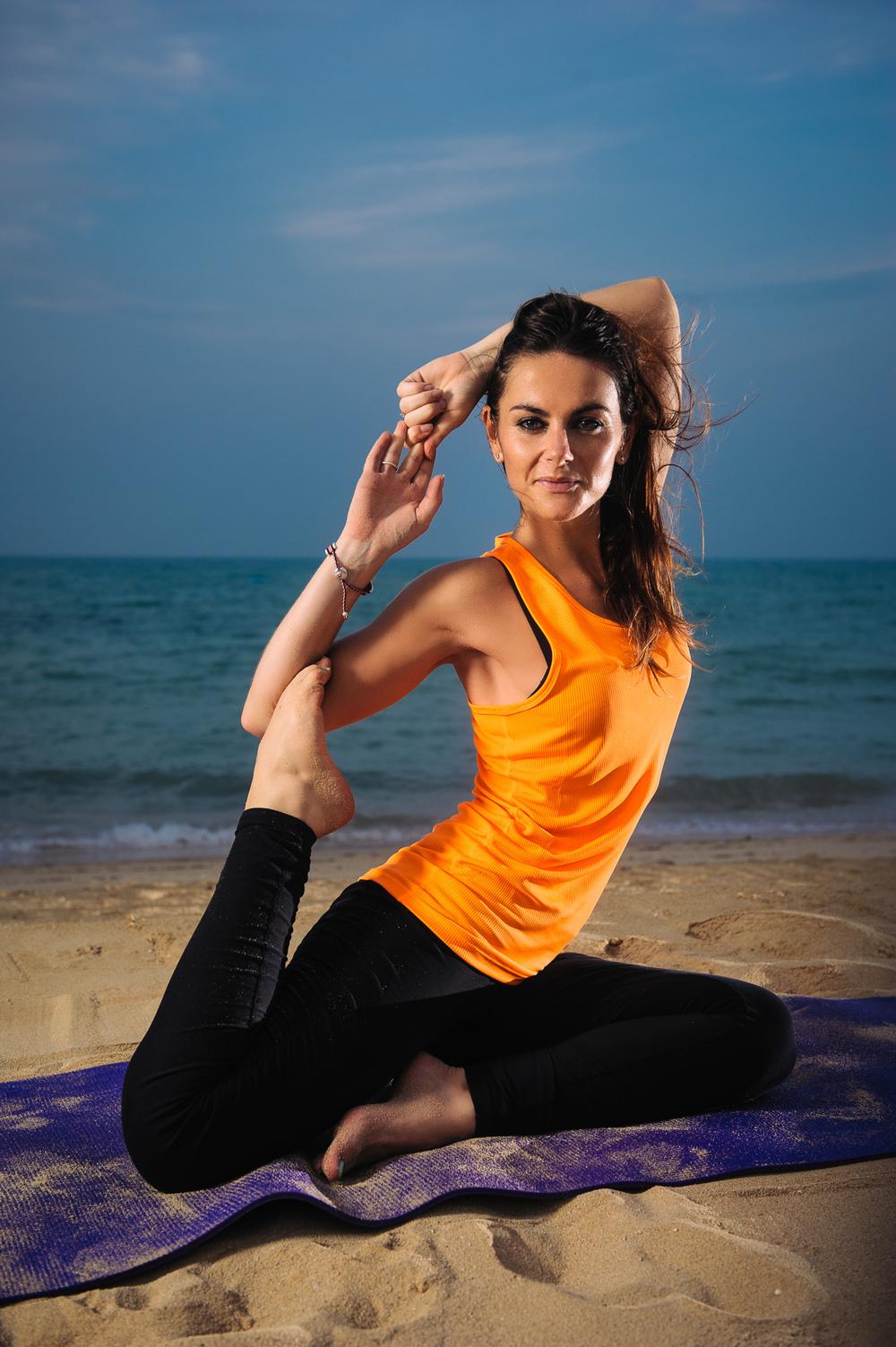 Lynsey_Yoga-001.jpg