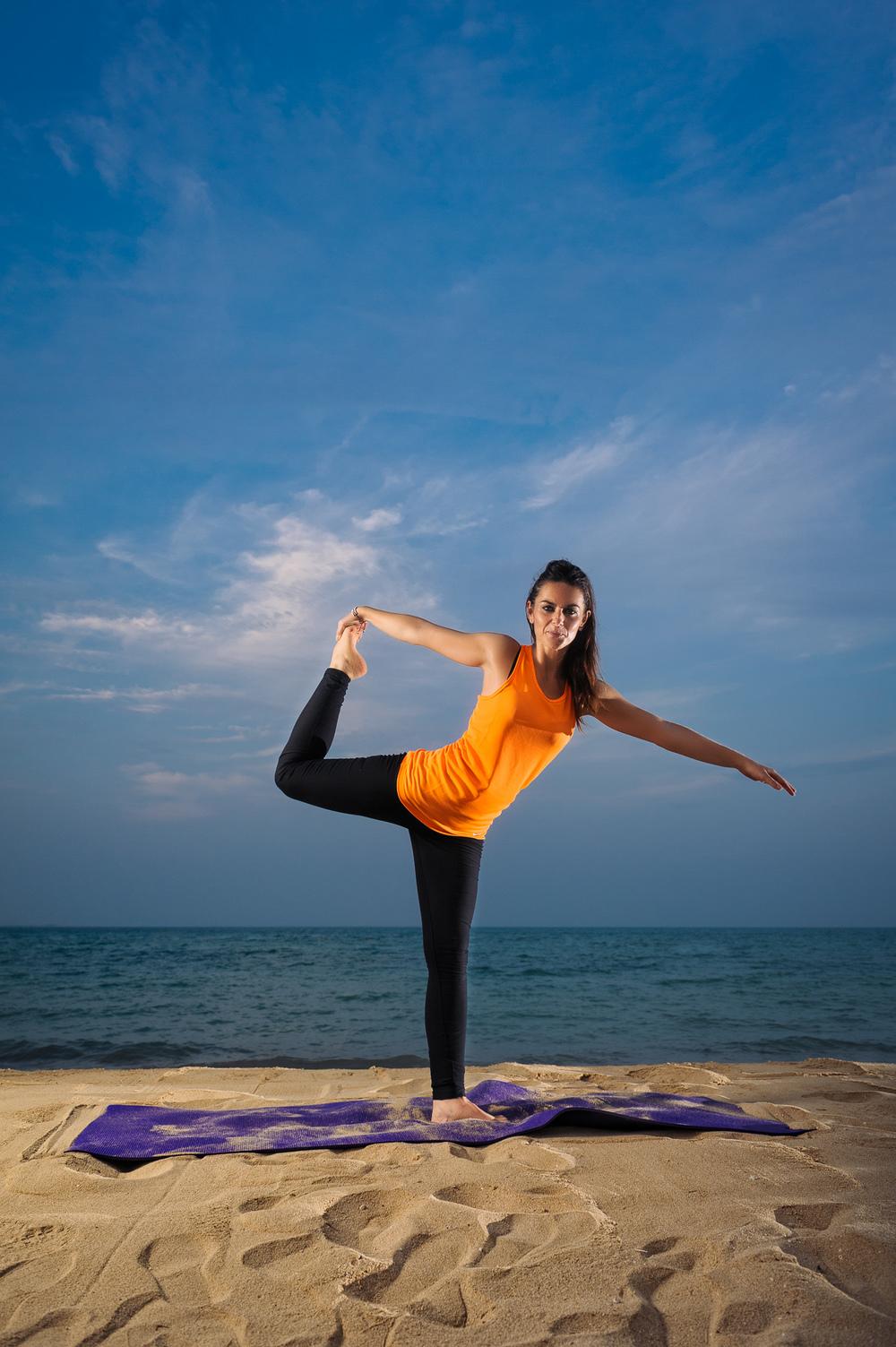 Lynsey_Yoga-002.jpg