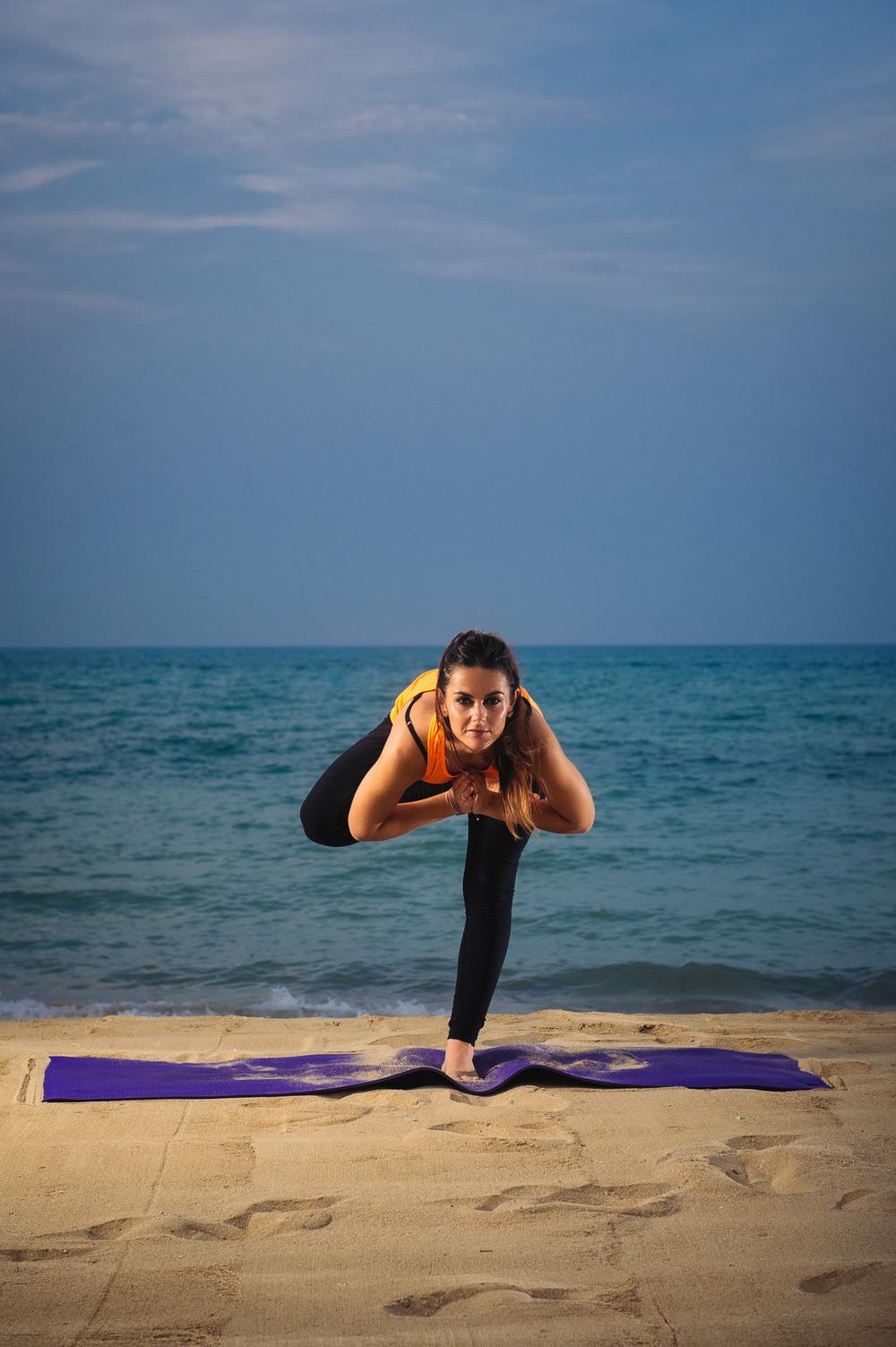 Lynsey_Yoga-005.jpg
