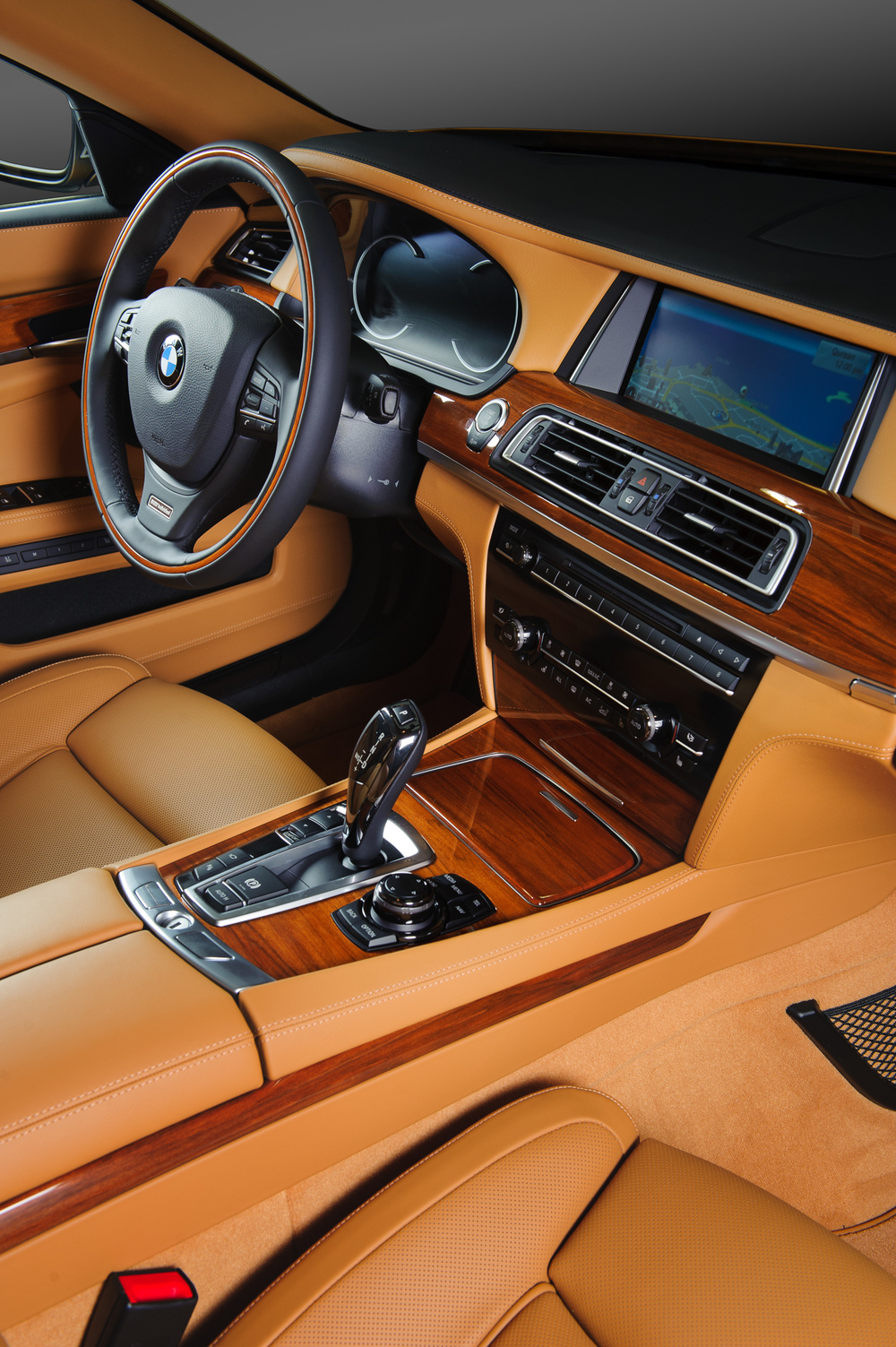 BMW_7series_Interior-003.jpg