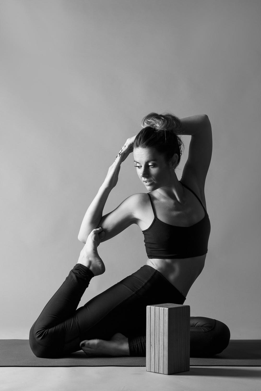 and_stretch_yoga_BW-017.jpg