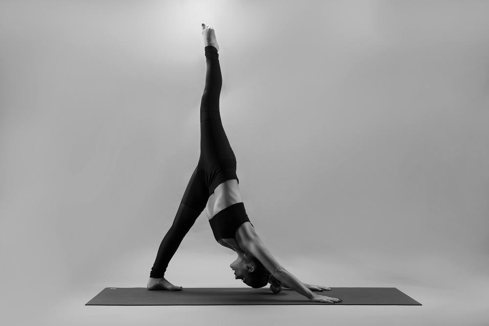 and_stretch_yoga_BW-001.jpg