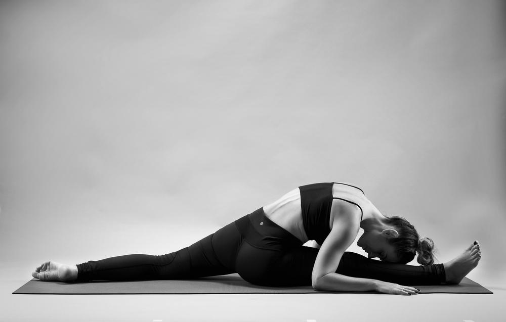 and_stretch_yoga_BW-005.jpg