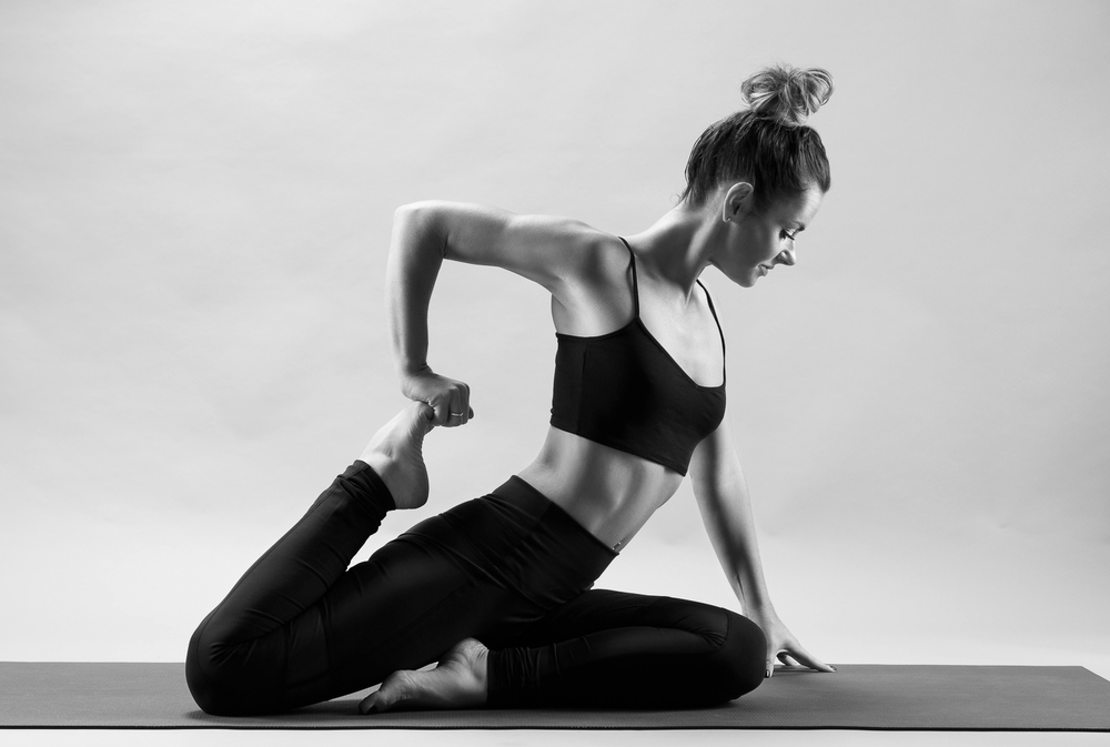 and_stretch_yoga_BW-003.jpg