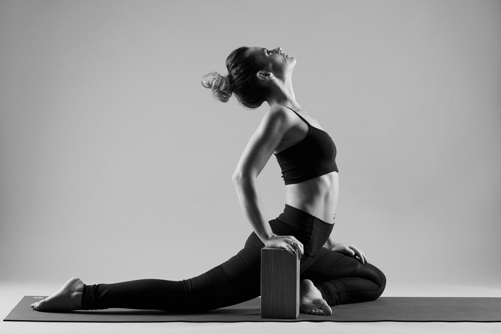 and_stretch_yoga_BW-011.jpg