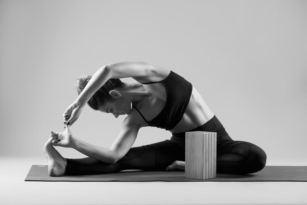 and_stretch_yoga_BW-014.jpg