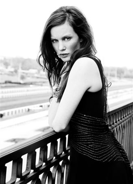 Elizabeth Kinnear30 Pearl Model Management.jpg