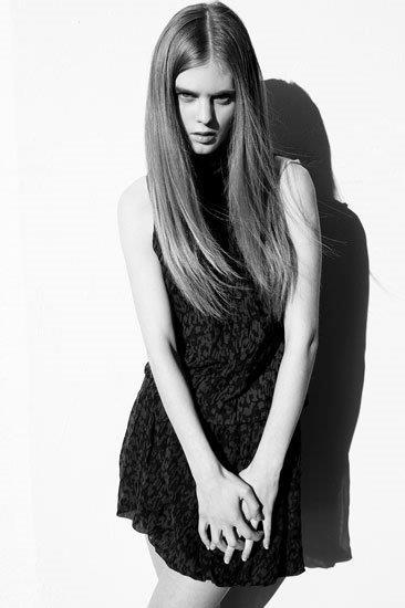 Daniela H 020 Pearl Model Management.jpg