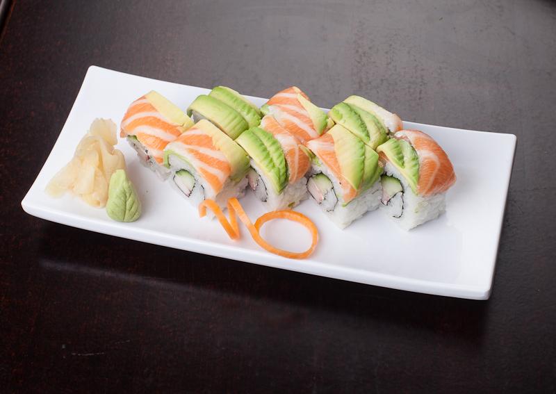 Kin Sushi Salmon - Avocado Roll