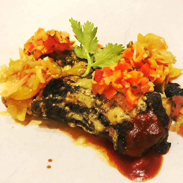 Collaboration of Mexican Isaan is proved to be delicious. This one is Enchilada stuffed with braised beef and oxtail stewed in Cassia curry! Sounds crazy but it's brilliant! @100mahaseth @8020bkk @ositobkk