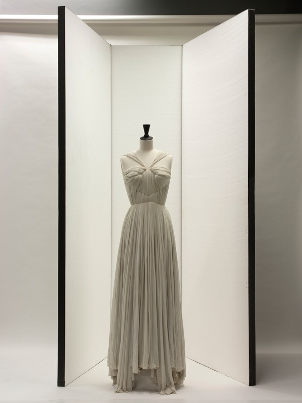 Madame Grès: Sculptural Fashion