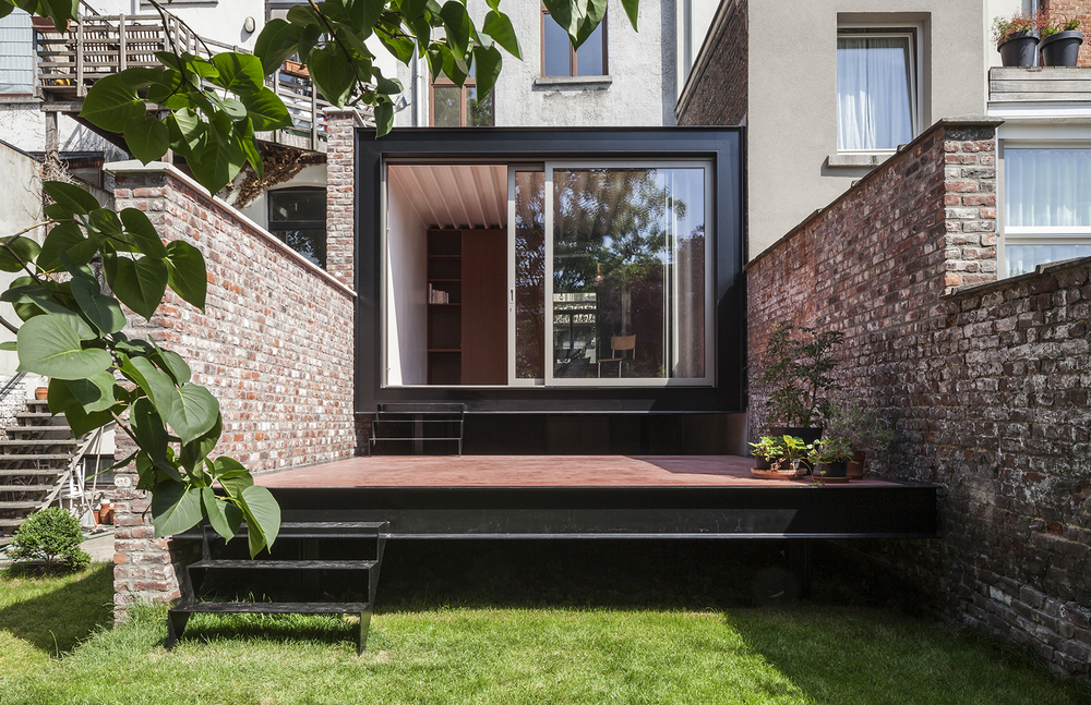 B-ILD slots a garden pavilion into a 19th century home