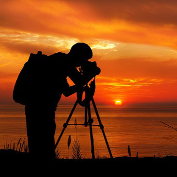 Photography  Get advice on taking photos outdoors, what to look for, how to use the light etc.