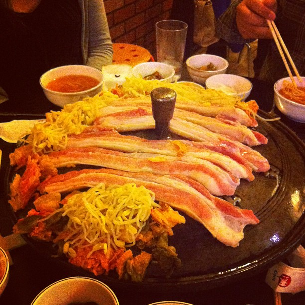 #koreanfood #pork (Taken with  Instagram  at Tong Sam Gyup Goo Yi Restaurant)