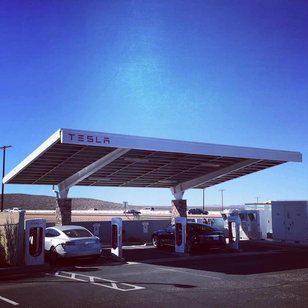 Solar powered Supercharger in Barstow. The stall I pulled into was giving an erratic charge.