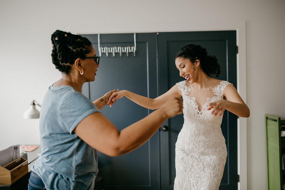 portland - wedding - photographer - doorofhopechurch050.jpg