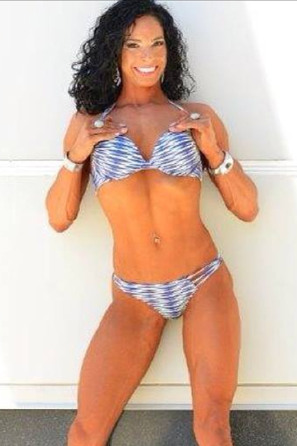 Cassandra Carpenter IFBB FIGURE PRO