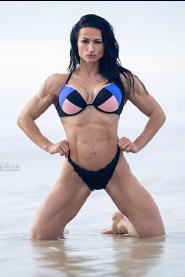 Mariana Cooker IFBB PRO