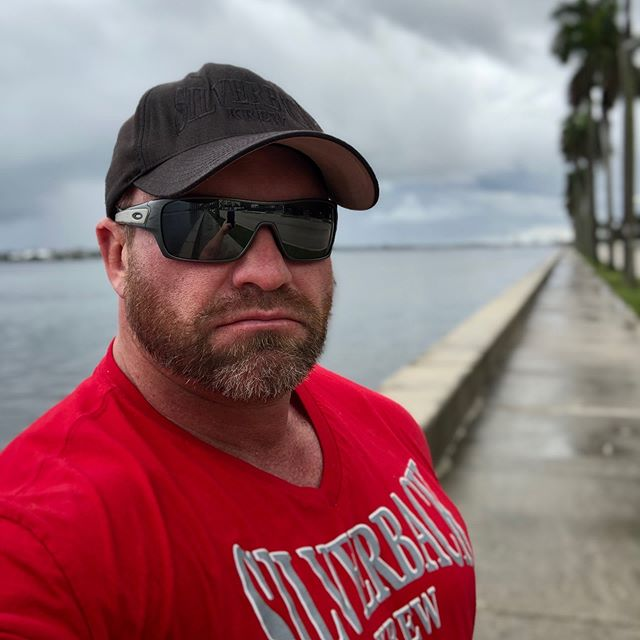 Happy Red Friday from Florida! Support our troops!🇺🇸 #silverbackkrew#SBKBOSS #redfriday#usa #❤️#🇺🇸#American#military