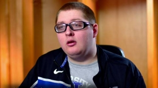 Kevin Fought Brain Tumor & is Now Part of Kentucky Basketball Team April 1, 2015