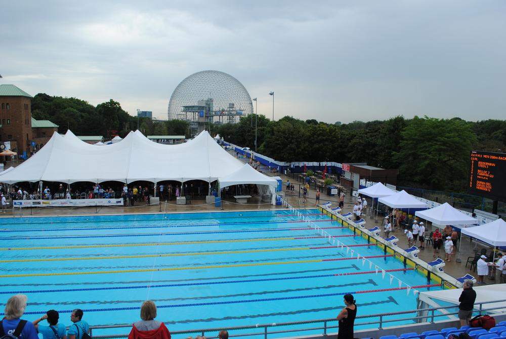 La piscine et le village olympique de Montréal...