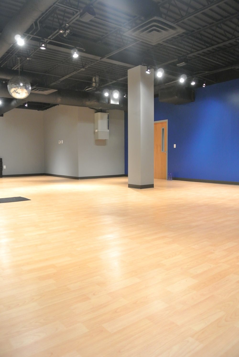"Large ""Blue"" Studio"
