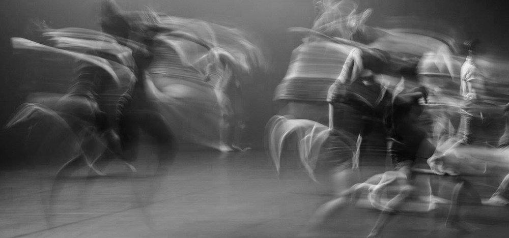 Image: Sydney Dance Company dancers performing