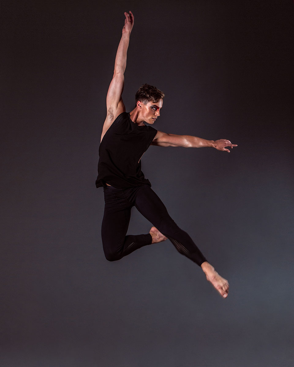Jack wears the  Alpha Legging  and  Aero Singlet  in Black.