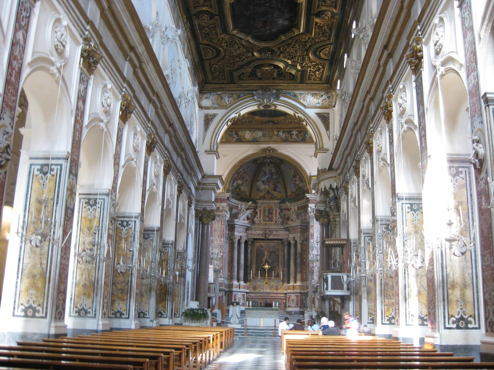 42 Interior Church Italy 2015.jpg