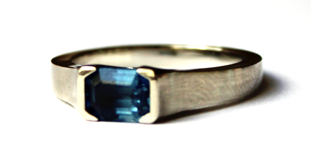 KAABA SAPPHIRE RING