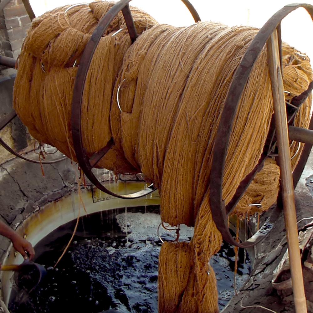 S2G Silk Rugs Workshops Nepal Les Ateliers Courbet 5.jpg
