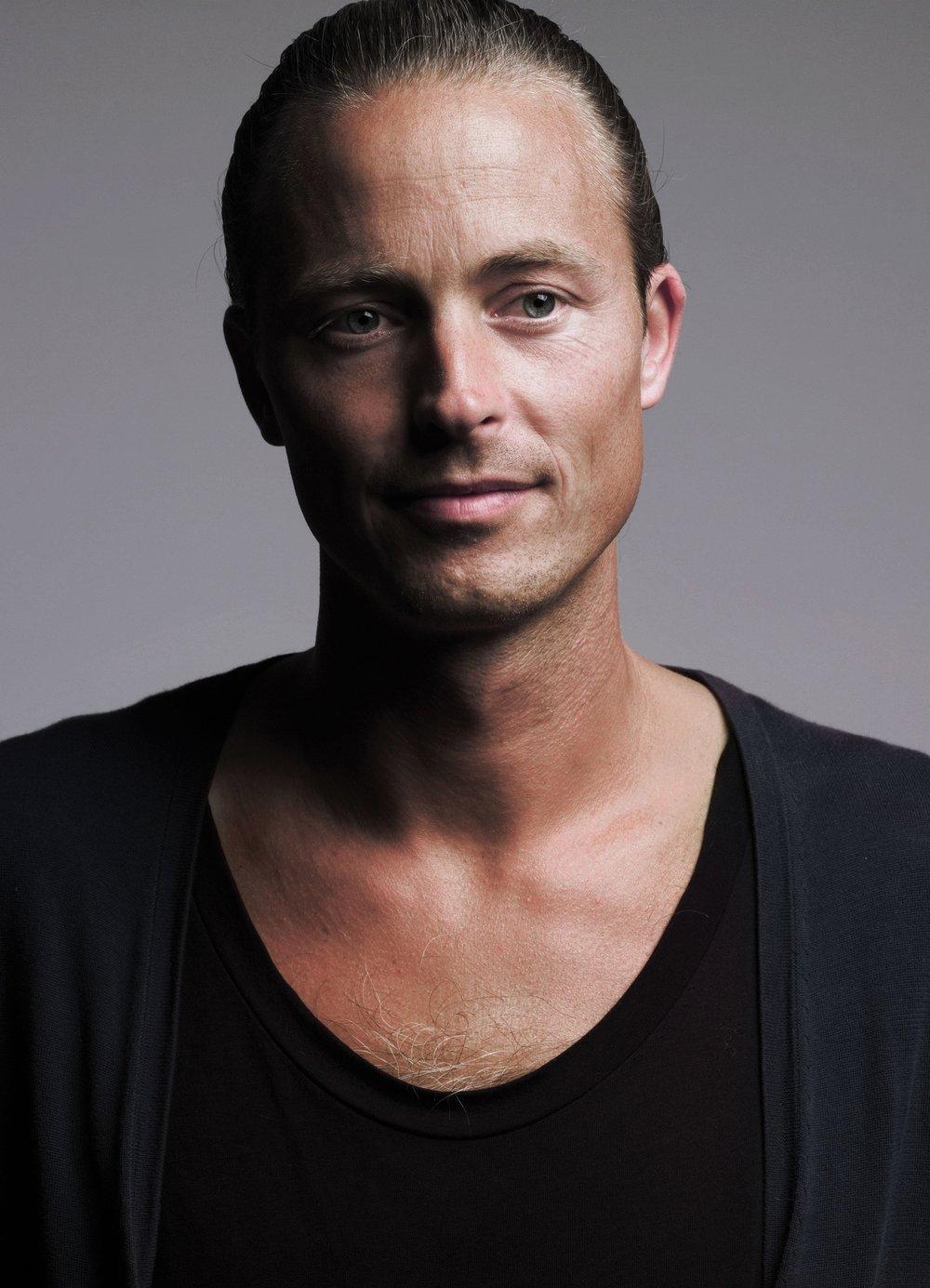 Aldo Bakker Portrait - Dutch Design Artist - Les Ateliers Courbet