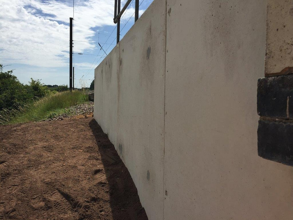 veda_associates_lawn_road_img_revetment_wall3_complete2.jpg