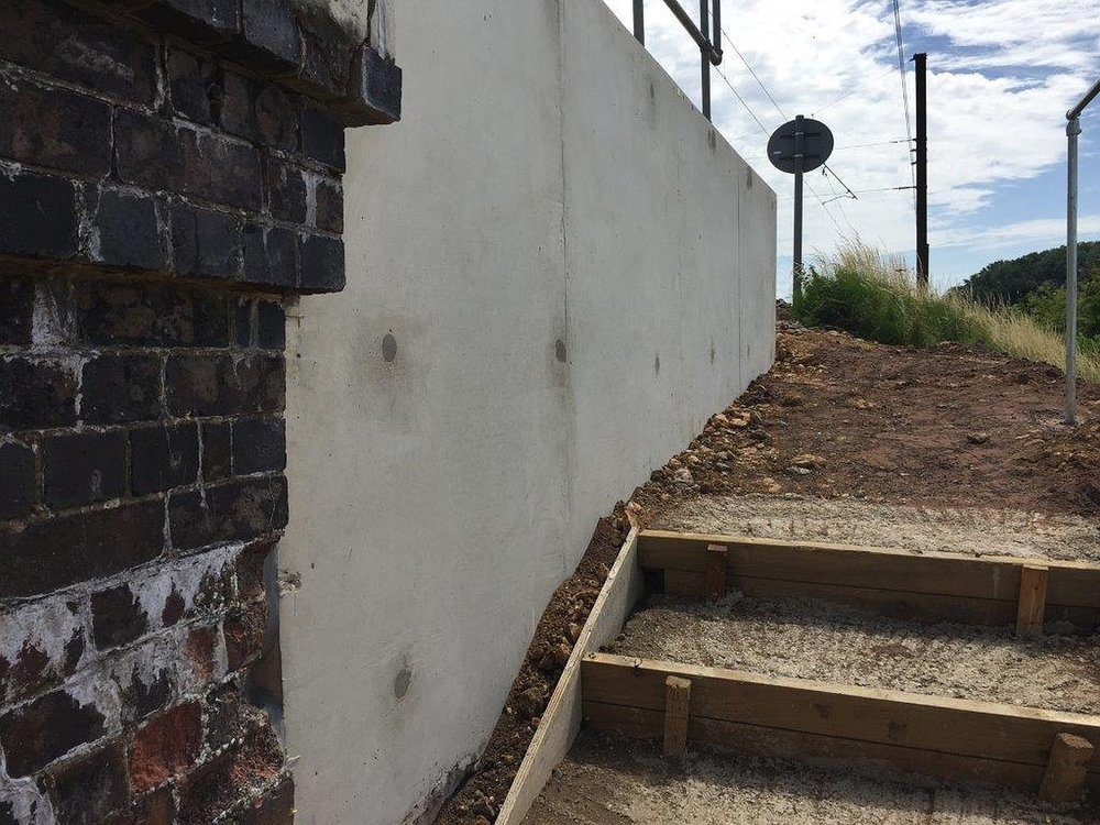 veda_associates_lawn_road_img_revetment_wall4_complete.jpg